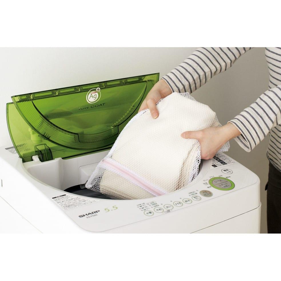 ウォークイン突っ張りハンガー 幅111~200cm・ロータイプ(高さ185~245)・上下カーテン付き カーテンは取り外して洗濯機で丸洗いOK。いつも清潔に使えます。※要洗濯ネット