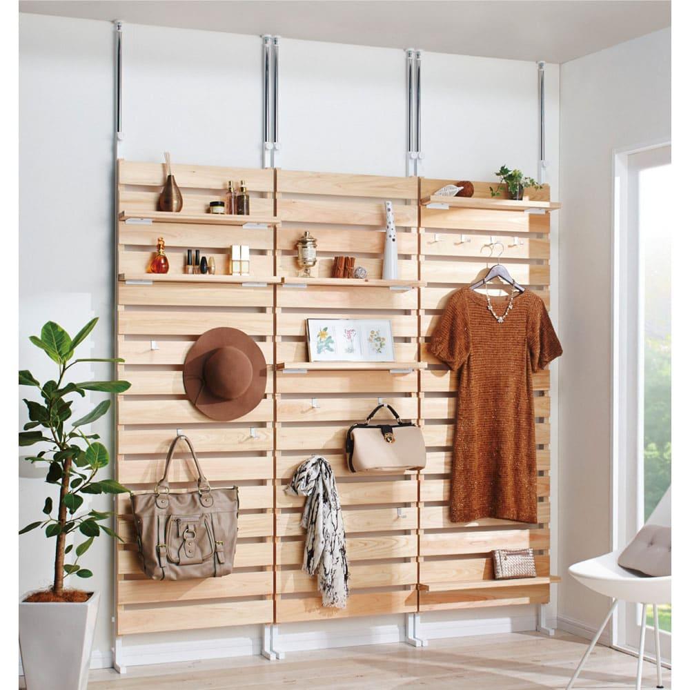 国産檜 壁面突っ張りウッドパネル 幅60cm 【コーディネート例】天然ヒノキのやさしい色合いで心が休まります。※写真は幅60cmタイプを3台並べて使用しています。お届けは1台です。