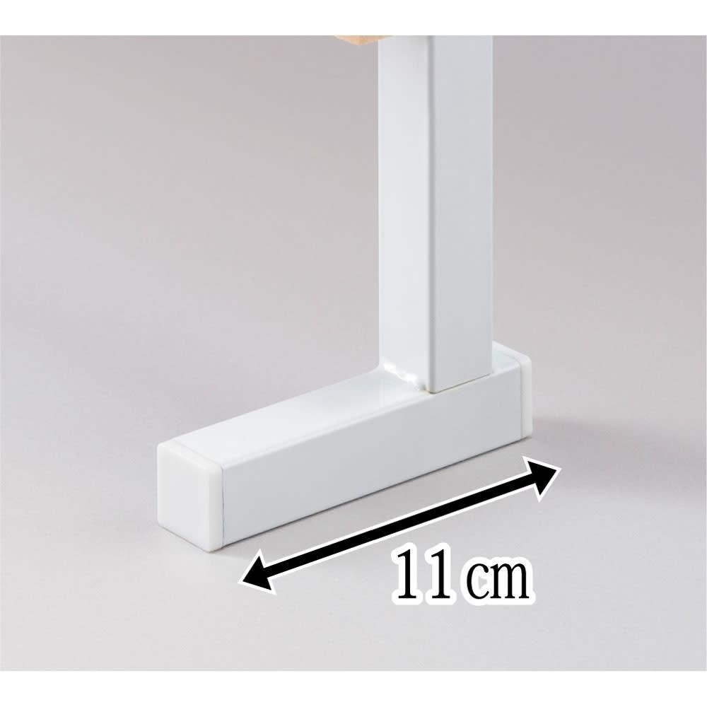国産檜 壁面突っ張りウッドパネル 幅60cm 安定感のあるL字型の脚部を採用。すっきりしたデザインなのでインテリアになじみます。
