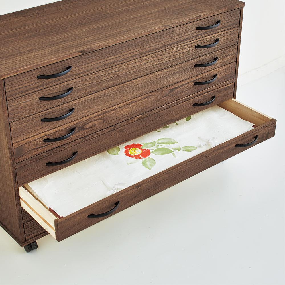 【日本製】天然オイル仕上げキャスター付き総桐箪笥 深引き出し3段 高さ48.5cm たとう紙も折らずに入ります。