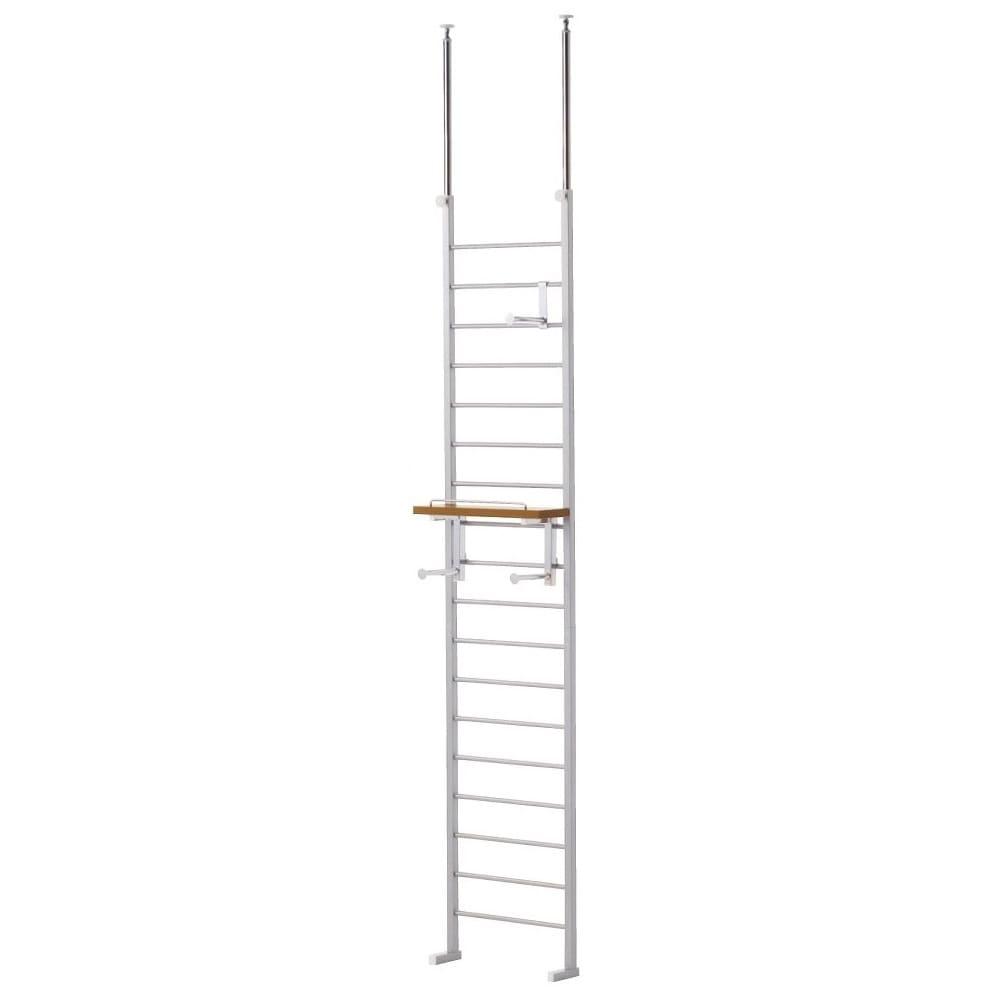突っ張りブティックハンガー 幅40cm 天井高さ200~270cmに対応。突っ張り部分は左右高さ違いでも設置可能です。