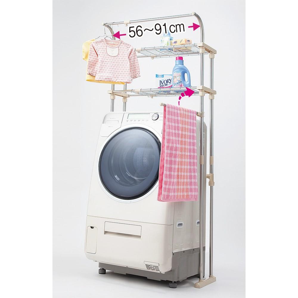 ステンレス製 洗濯機ラック(棚板2枚・ハンガー掛け・タオルハンガー付き) タオルハンガーが付きました。棚板は可動するので、背の高いドラム式などにも対応!