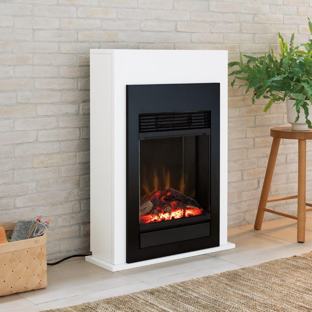 ディンプレックス 暖炉型ファンヒーター ベリーニ まるで壁につくりつけのような、リアルな暖炉の炎。工事不要で賃貸住宅でもお使いいただけます。