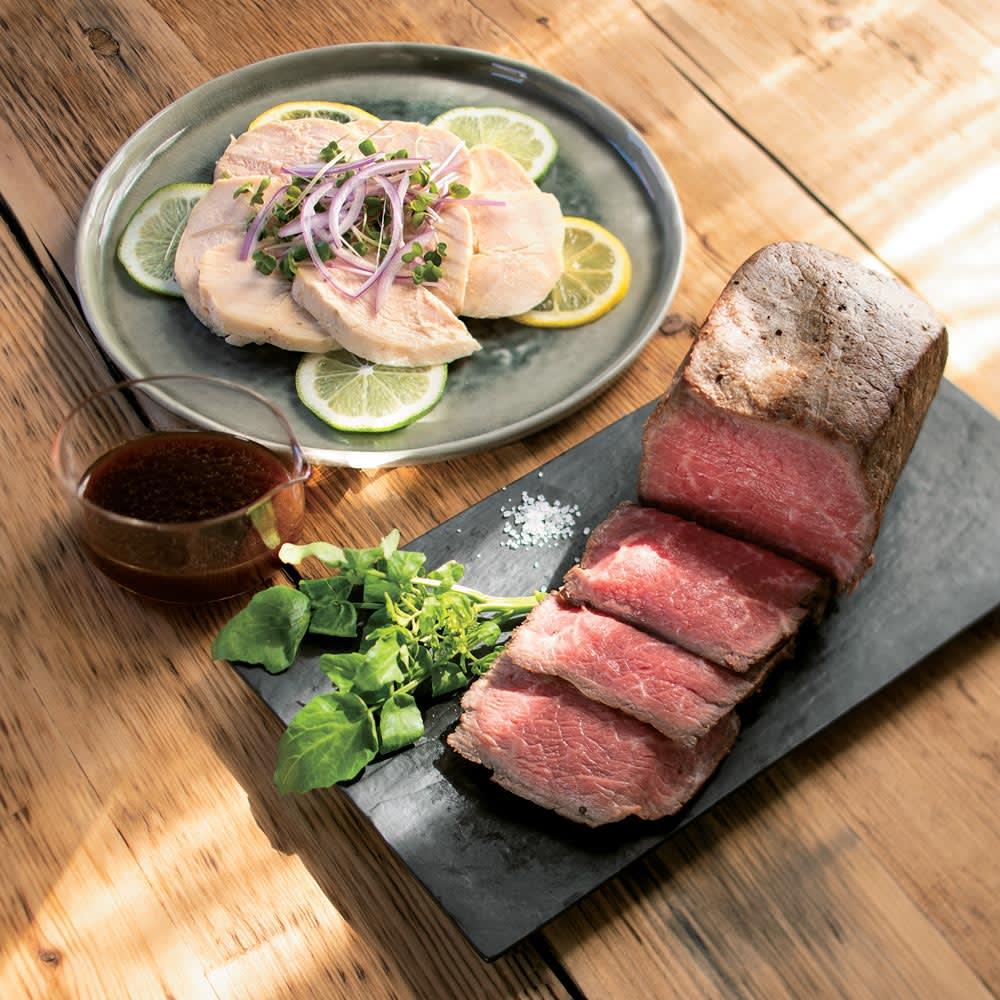 ヨーグルティアS 基本セット 糖質制限と相性のよい低温調理もお手のもの。ローストビーフをはじめ、本格的な肉料理も簡単な下準備だけで完成!(※上からサラダチキン(70℃・3時間)、ローストビーフ(70℃・1時間))