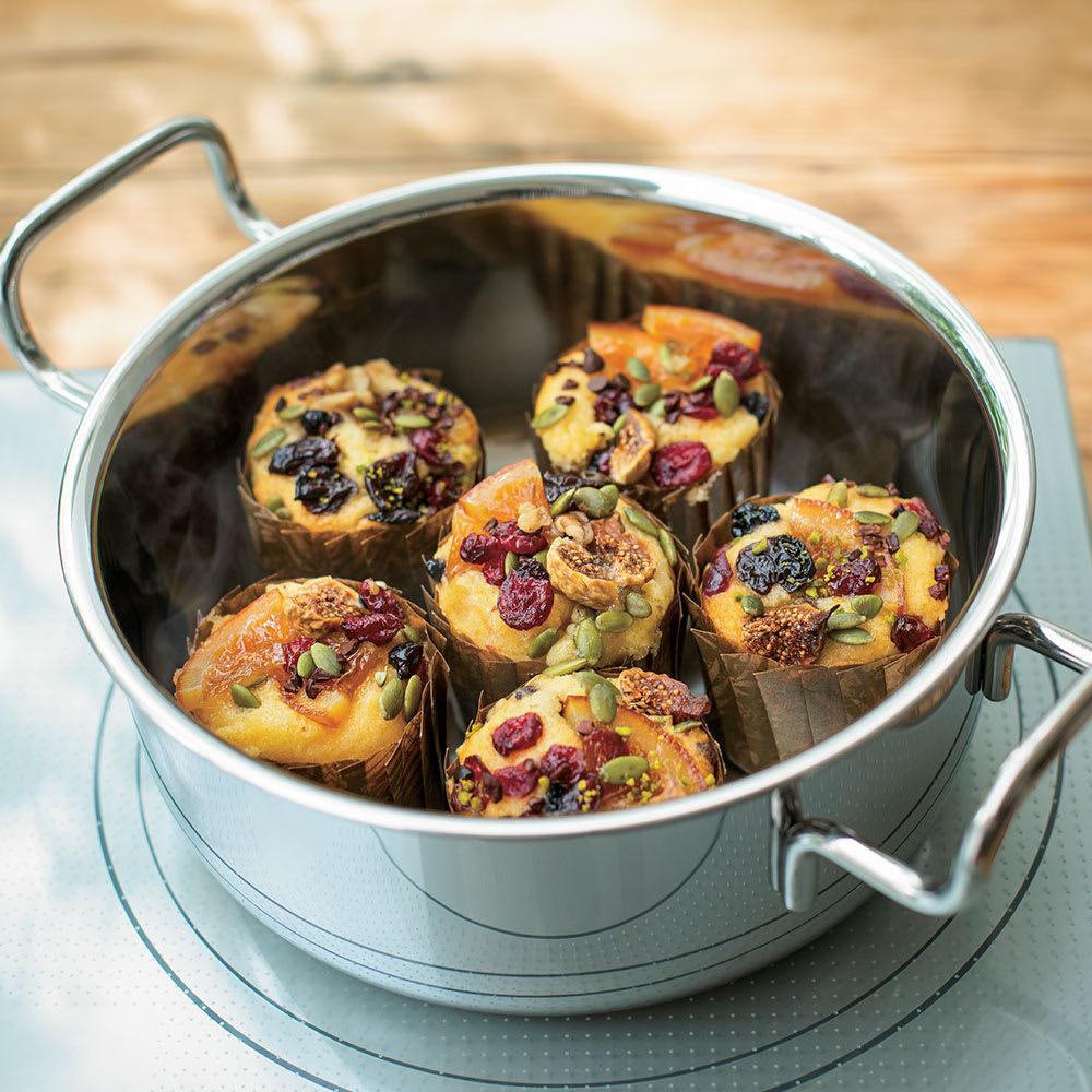 IH対応 服部先生のステンレス7層構造鍋「ジオ」 片手鍋径18cm 【オーブン調理】ケーキやクッキーなどのお菓子も、オーブンがなくても作れます。(※写真はマフィン)