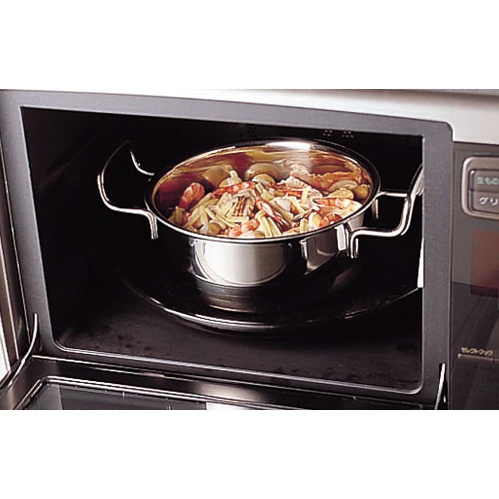 IH対応 服部先生のステンレス7層構造鍋「ジオ」 両手鍋径25cm オールステンレス製なので、鍋ごとオーブンに入れられ、料理の幅がぐっと広がります。