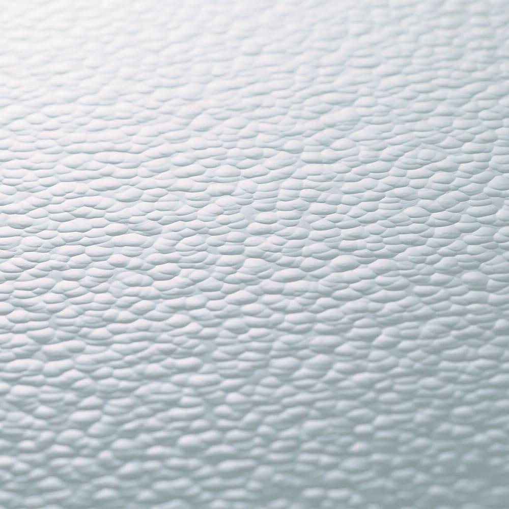 アクリルの水はねガード 幅76cm 圧迫感のないクリア。