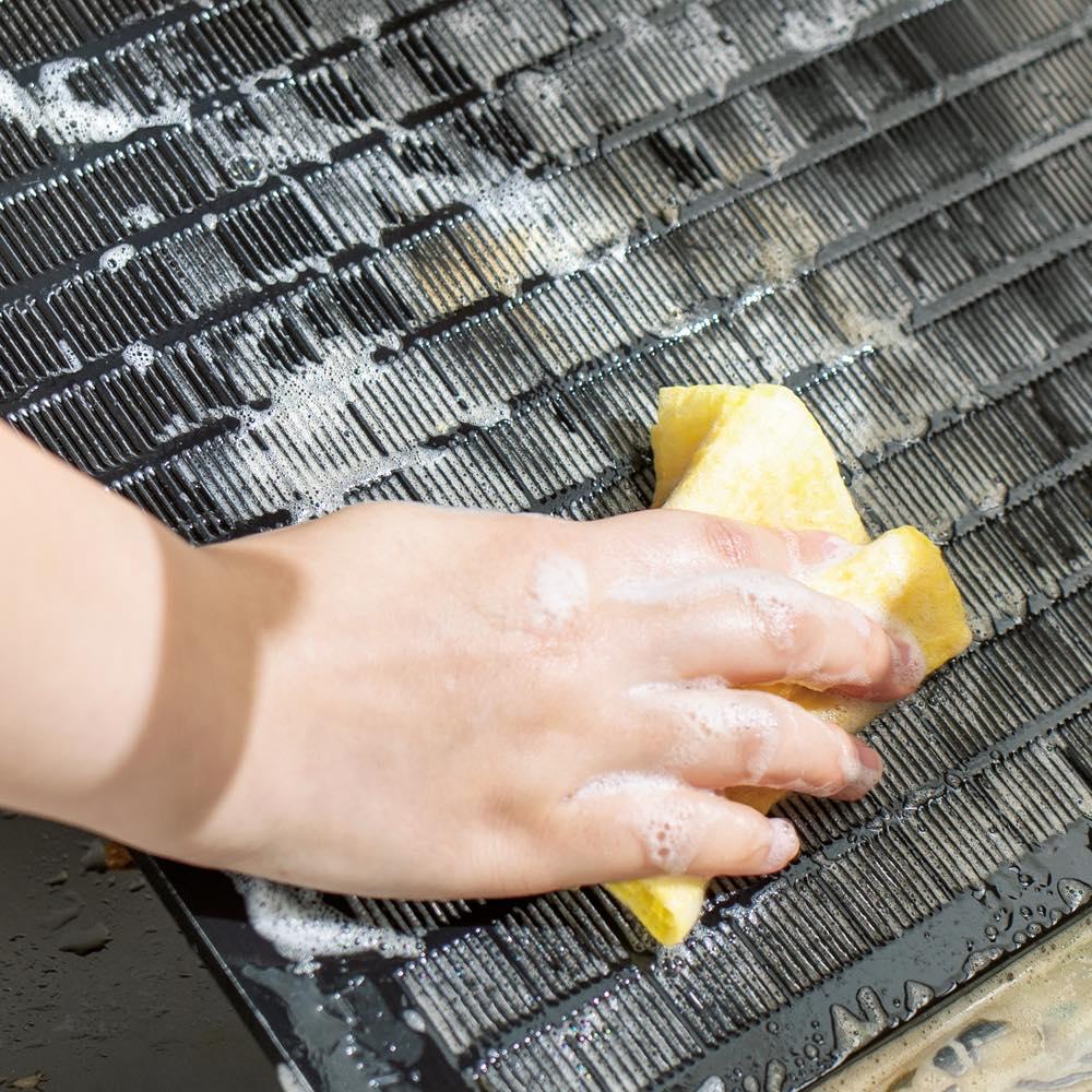 頑固な汚れもよく落ちる!使い捨て・抗菌加工クリーニングタオル3本組 レンジフード掃除に。