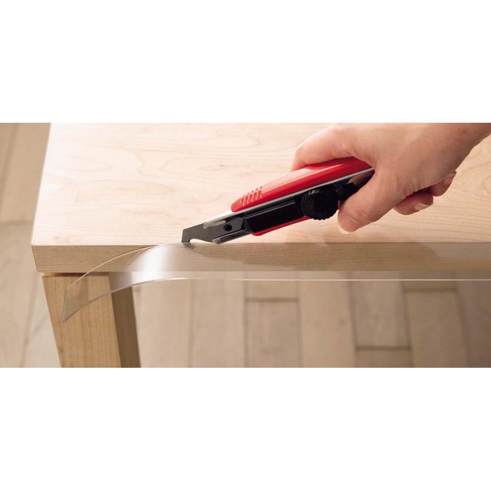 アキレス 高機能テーブルマット 幅90cm(オーダーカット) スペースに応じて自由にカット 市販のカッターで簡単にカット。使用する物やスペースに合わせて仕上げることができます。