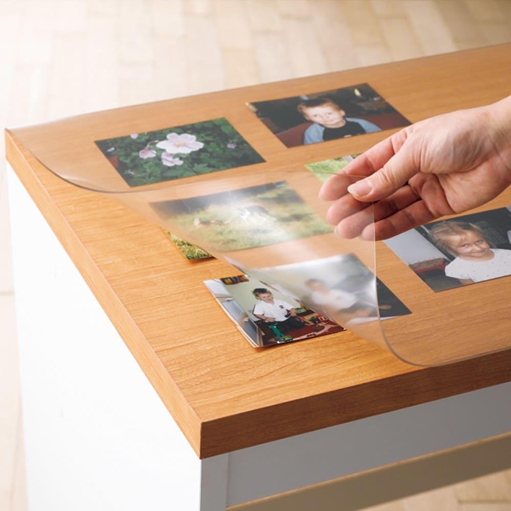 アキレス 高機能テーブルマット 幅120cm(オーダーカット) 写真などをはさんでも転写の心配がありません。