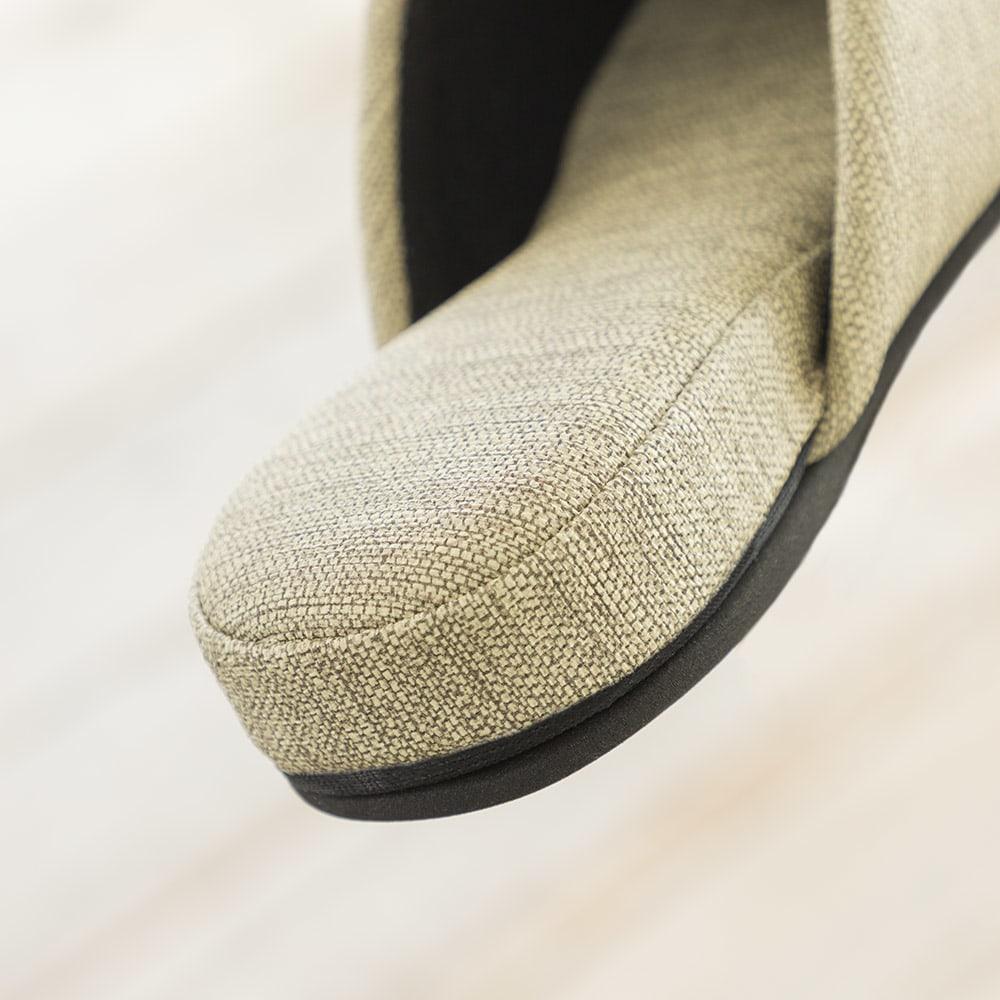 お手入れしやすいゲストスリッパ4足組 スタンダードタイプ 高反発ウレタンを贅沢に使用。ふかふかな履き心地にこだわりました。