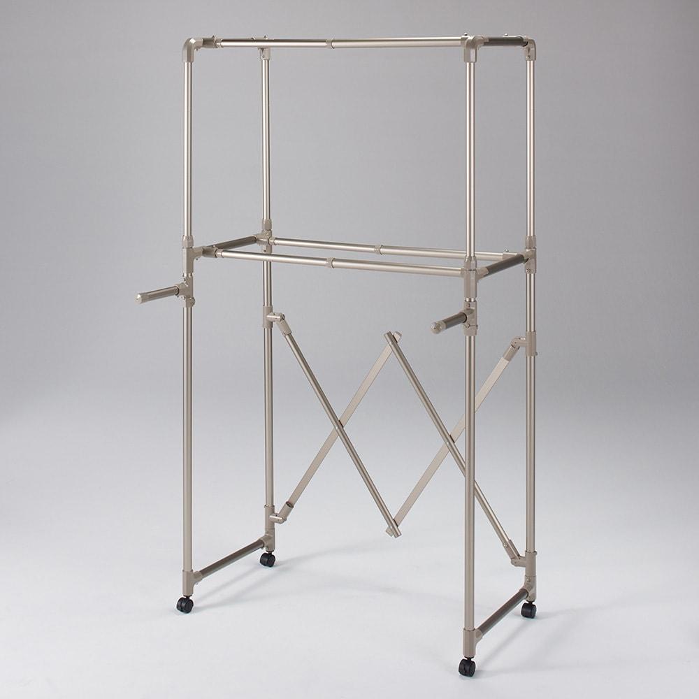 大量に干す方におすすめ!「ultima 4本竿物干し」 レギュラー (室内物干し) 高さと幅を縮小すれば、洗面所や部屋の隅など小さなスペースでのちょっと干しも可能です。(ア)シャンパンゴールド