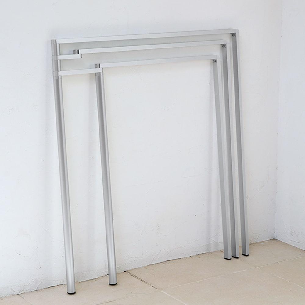 置き方自由! 物干しにもなる アルミ製タオルハンガー 3連 (ア)シルバー たためば厚さ約3cmに。