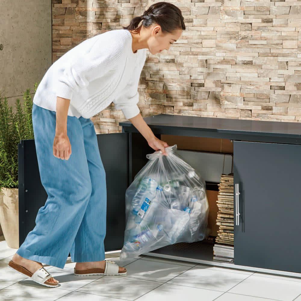 モダン2面開閉ダスト収納庫 幅100cm(容量230L) 大容量に加え前部が大きく開き、大きなゴミ袋や重い古紙類も取り出しやすい仕様。(※写真は幅125cmタイプ)
