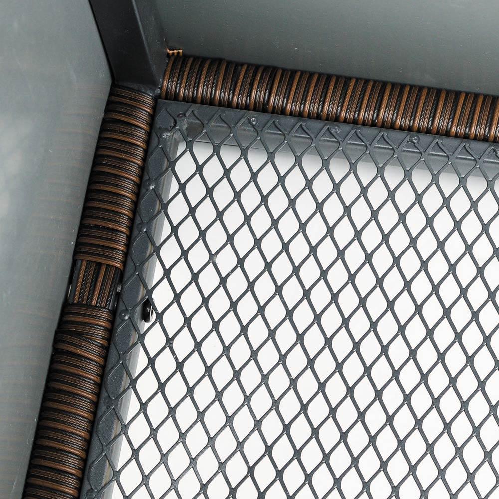 組立不要ラタン調ベンチ収納 幅90cm 底面がメッシュ状で通気性に優れています。