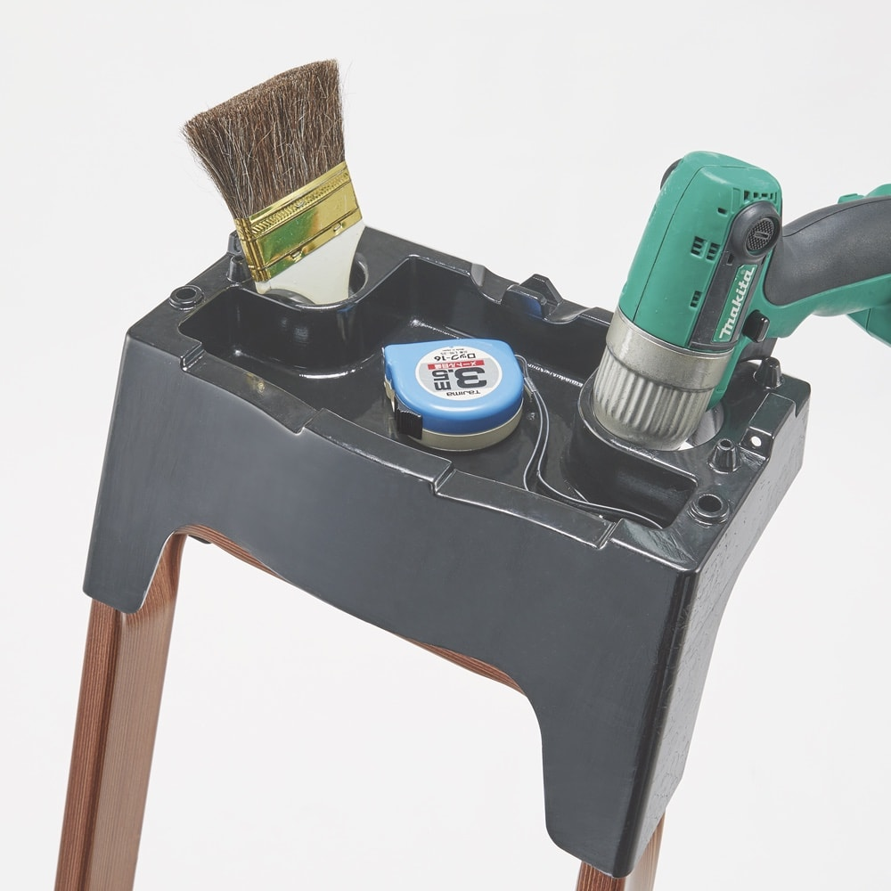 木目調ワイドステップ脚立 8段 最上部にはツールが置けるトレイとフック付き。