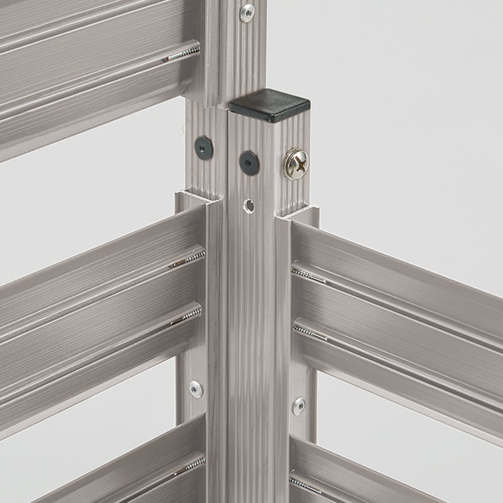 簡単リフォームアルミボーダーフェンス ハイタイプ高さ149cm・幅90cm(1枚) フェンス同士を付属部品で連結、直線にもL字にも対応。