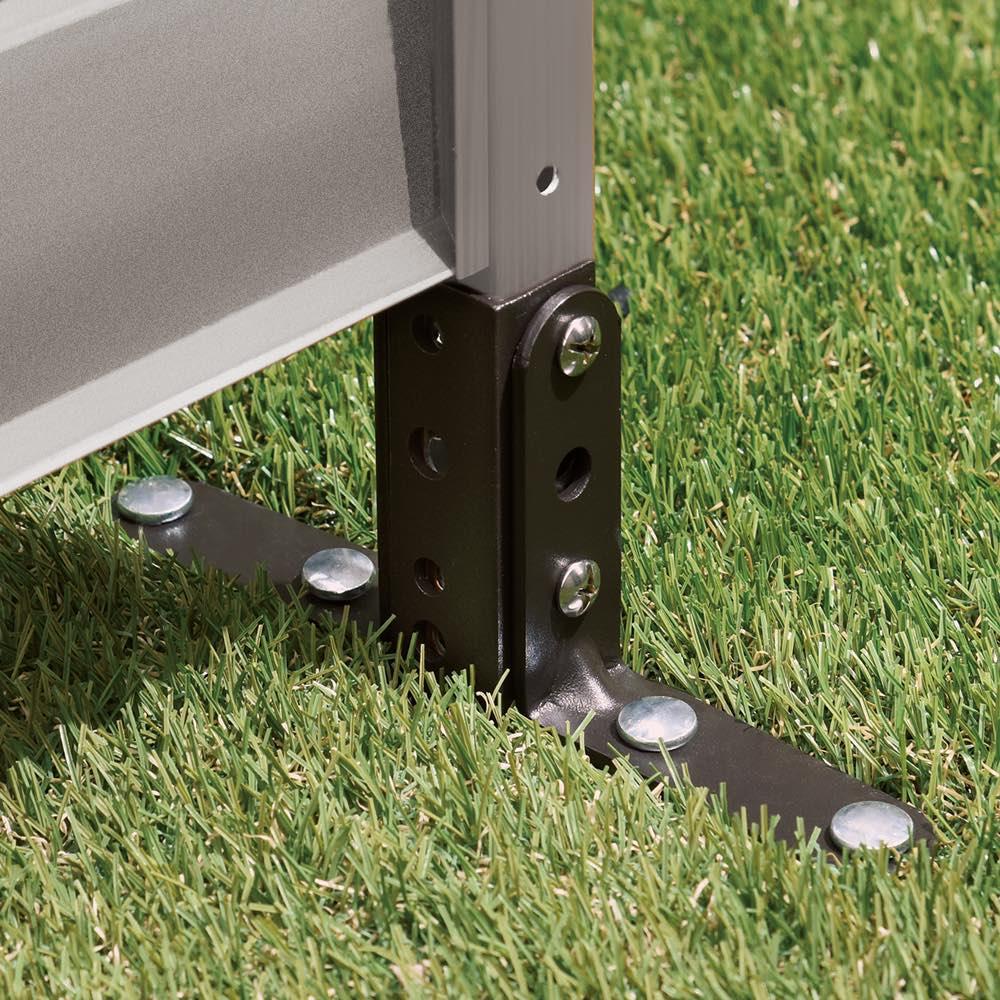 簡単リフォームアルミボーダーフェンス ハイタイプ高さ149cm・幅90cm(1枚) 土や芝生など柔らかい場所には、付属のL字金具と固定用ペグで簡単に設置可能。