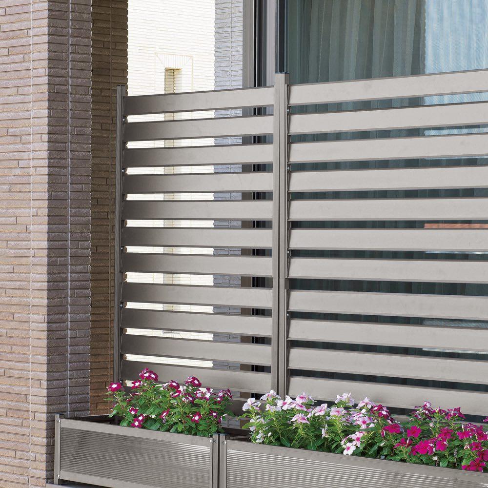 プランター付きフェンス 幅90cm・スーパーハイタイプ 色見本(イ)グレー ※写真はハイタイプです。