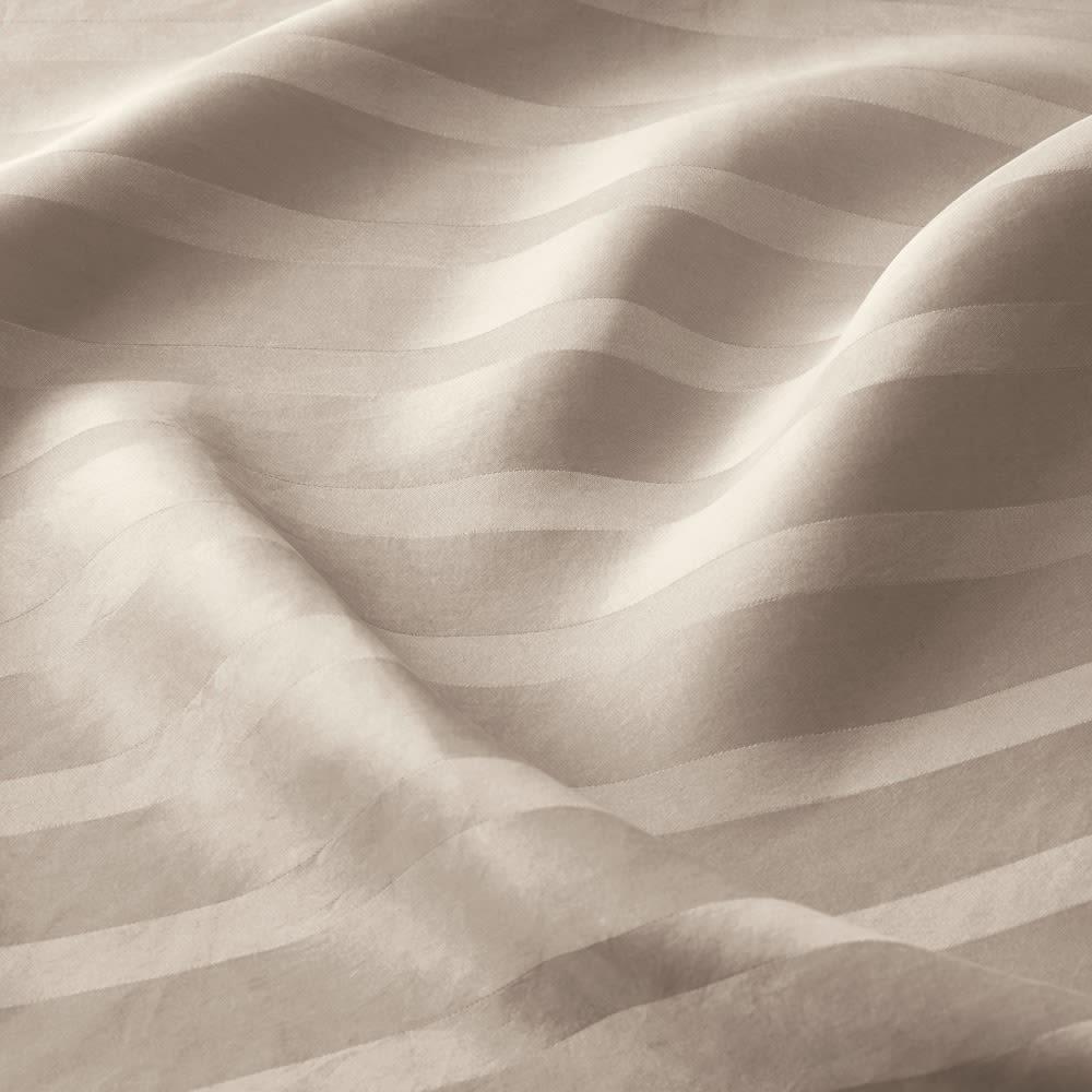 オールシルクシリーズ サテン織りシーツ&カバー グレージュ ベッドシーツ 美しい光沢が魅力のサテン織りシルクカバー。