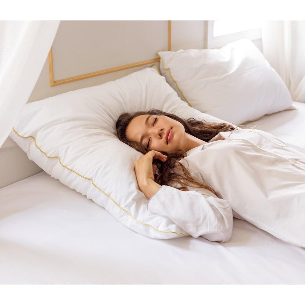 フォスフレイクス枕クラシックシリーズ 専用枕カバー単品 ハーフボディサイズ(80×80)枕本体使用イメージ ※お届けは枕カバーになります。