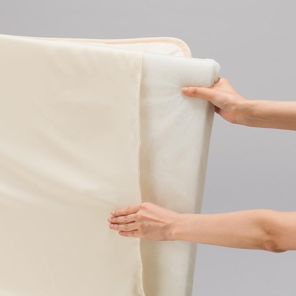 あったか洗える清潔寝具 お得な2枚合わせ掛布団+敷布団+枕 シングル3点セット (敷布団)側地はファスナー式で中身を取り出して洗えるので、清潔を保てます。