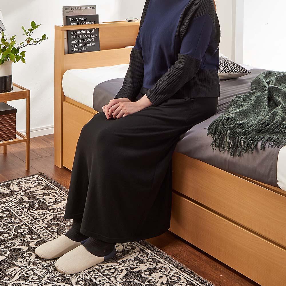 国産マットレス付き棚付き省スペースベッド(ショート/レギュラー) マットレスまで高さ53cmでちょうど良い高さ。