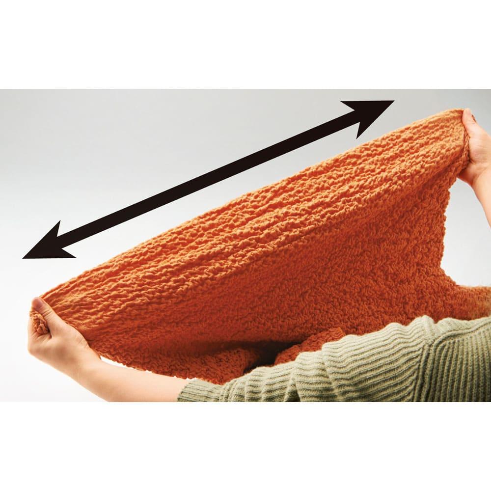 イタリア製[ブックレ] ソファカバー 一体型 タテヨコによく伸びるので、さまざまな形のソファに簡単に取り付けられます。フィット感がよく仕上がりもきれい。