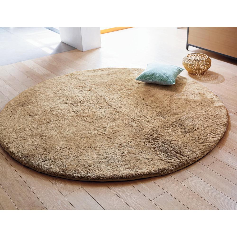 寝ころびたくなる低高反発シャギーラグ 円形 (ア)ブラウン (写真は約190cm)