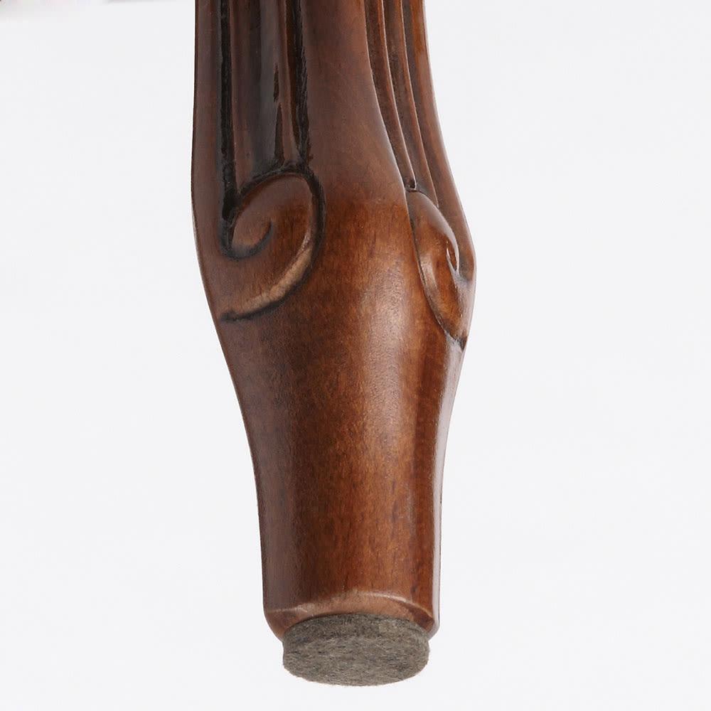 イタリア製クラシックシリーズ 肘付きチェア 同梱されているフェルトの使用例。ご自宅でご用意する手間が省けます