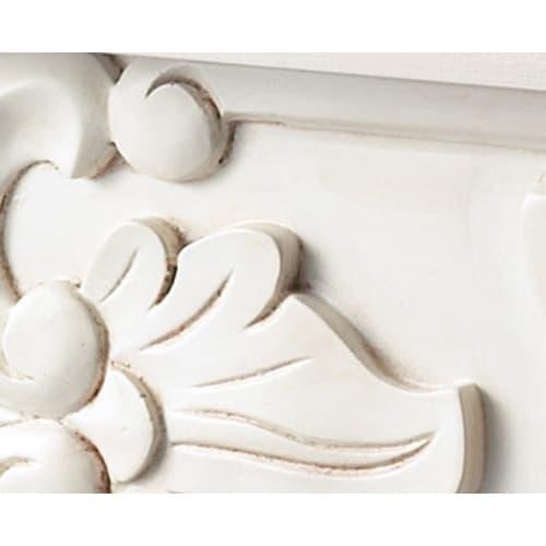アンティーククラシックシリーズ ドレッサー&スツール 長年愛用してきた風合いを醸すアンティーク加工を施しています。