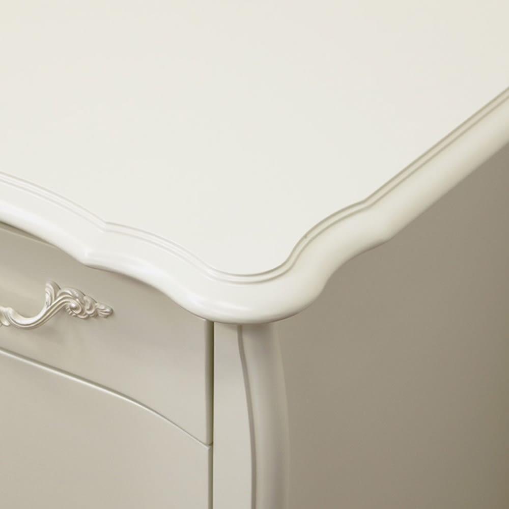 BLANC/ブランエレガントラインシリーズ デスク(ミラー付き) 天板から猫脚まで優美なラインで構成されたデザイン。