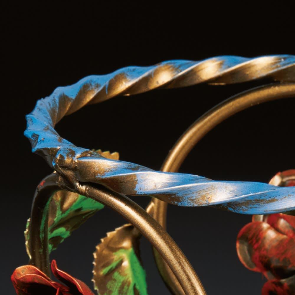 イタリア製アイアンローズシリーズ 傘立て丸型 アンティーク調の仕上げも魅力。