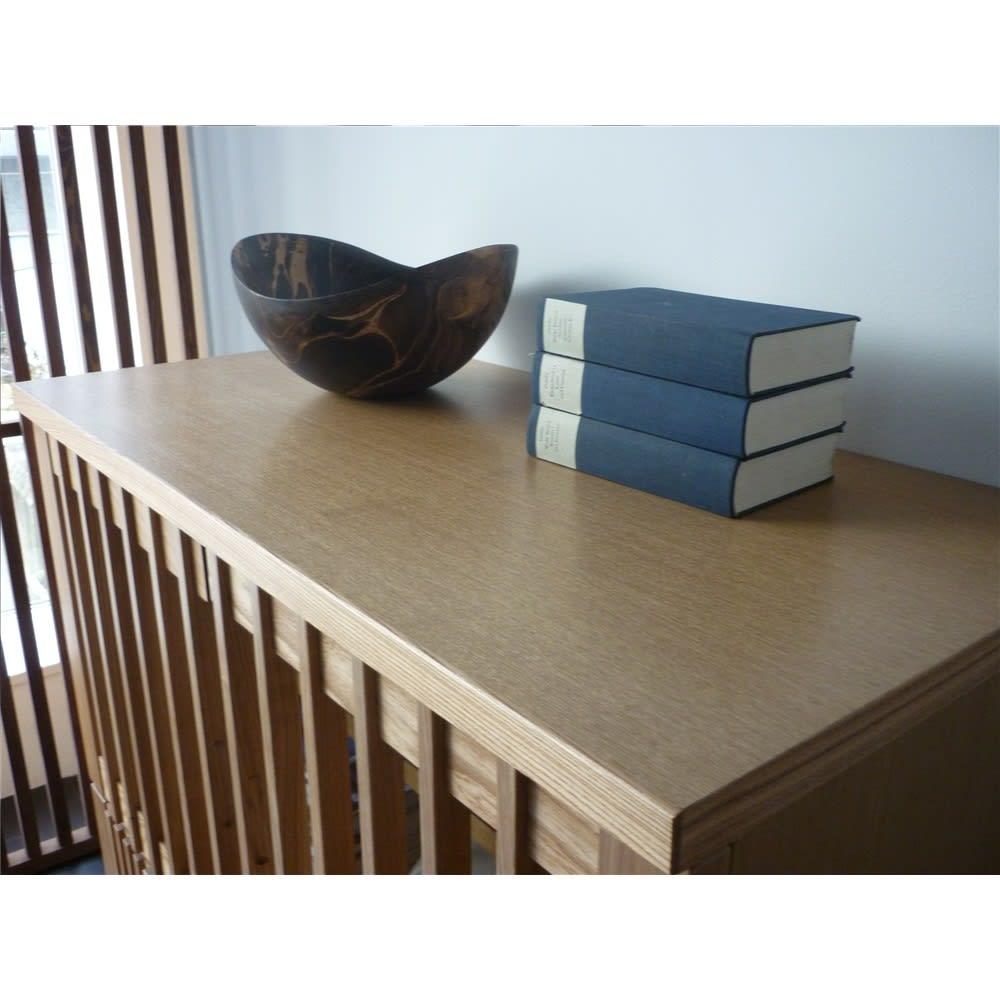 和モダン 格子 リビング収納 シリーズ 4マスキャビネット 和食器や、陶器を置いてもぴったり。