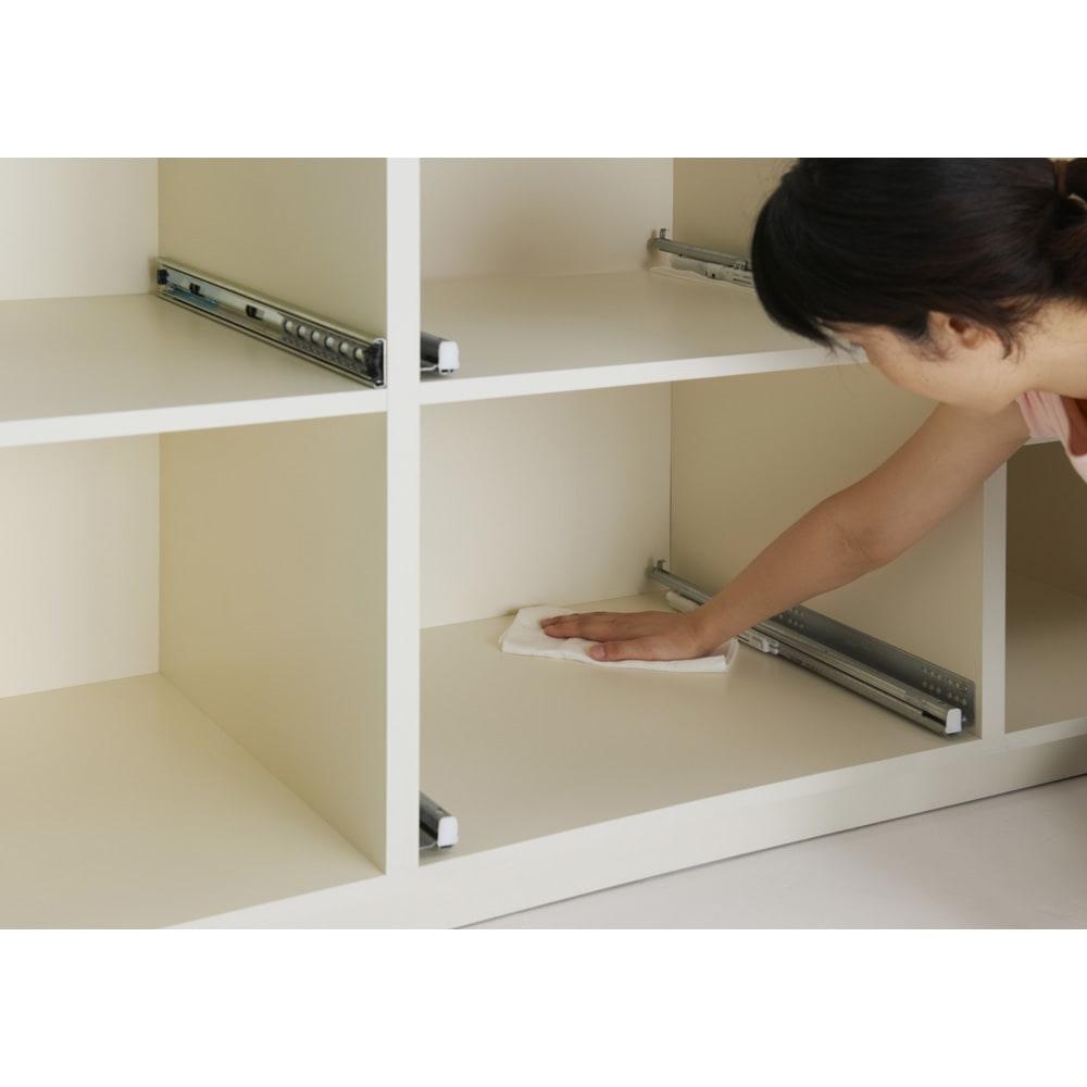 家電が使いやすいハイカウンター奥行45cm 食器棚高さ214cm幅60cm/パモウナCQ-S600K 本体は内部まで化粧を施したスーパークリーンボディを採用。お手入れしやすく清潔なキッチンを維持しやすい、見えない部分までこだわりぬいた仕上げ。
