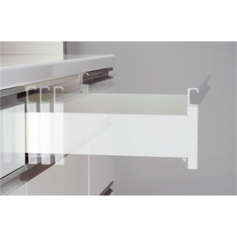 家電が使いやすいハイカウンター奥行50cm 食器棚高さ214cm幅80cm/パモウナCQ-800K 引き出しは全段サイレントシステム 閉まる手前で一旦止まり、その後吸い込まれるように静かに閉まるサイレントシステム。フルエクステンション機能で奥まで全部引き出せる仕様です。