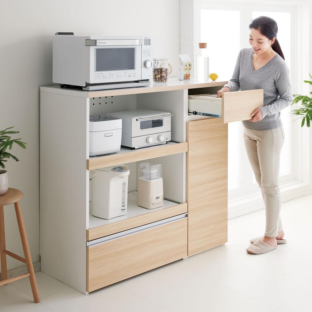サイズが選べる家電収納キッチンカウンター ハイタイプ 幅90cm 腰をかがめずに使いやすい高さ設計です。 ※写真は幅120奥行50cmタイプ