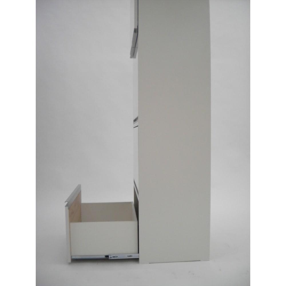組立不要!家電を隠せるキッチン収納シリーズ レンジラック幅59.5cm 引出しを最大に引出した際の奥行きは約86cmです。