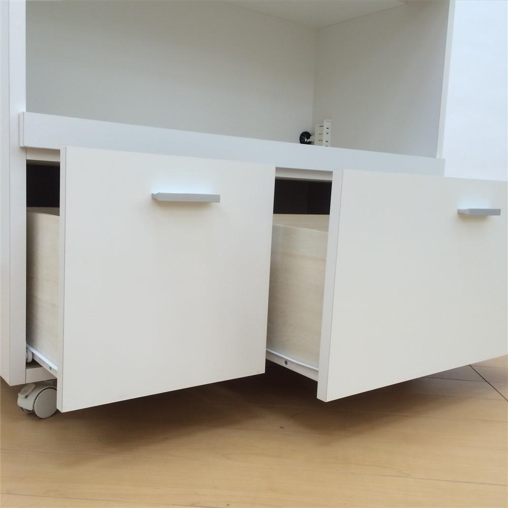 家電たっぷり収納ステンレス天板カウンター 幅119.5cm 下2杯の引き出しでボリュームのある食品ストックやお鍋もまとめて収納。