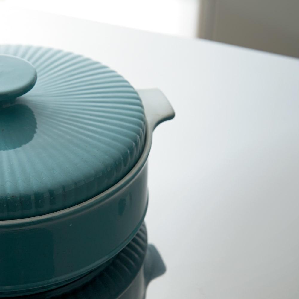 家電たっぷり収納ステンレス天板カウンター 幅149.5cm 天板はステンレスで熱や汚れに強く、熱い鍋もOK。スライドテーブルを引き出せば盛りつけにも。