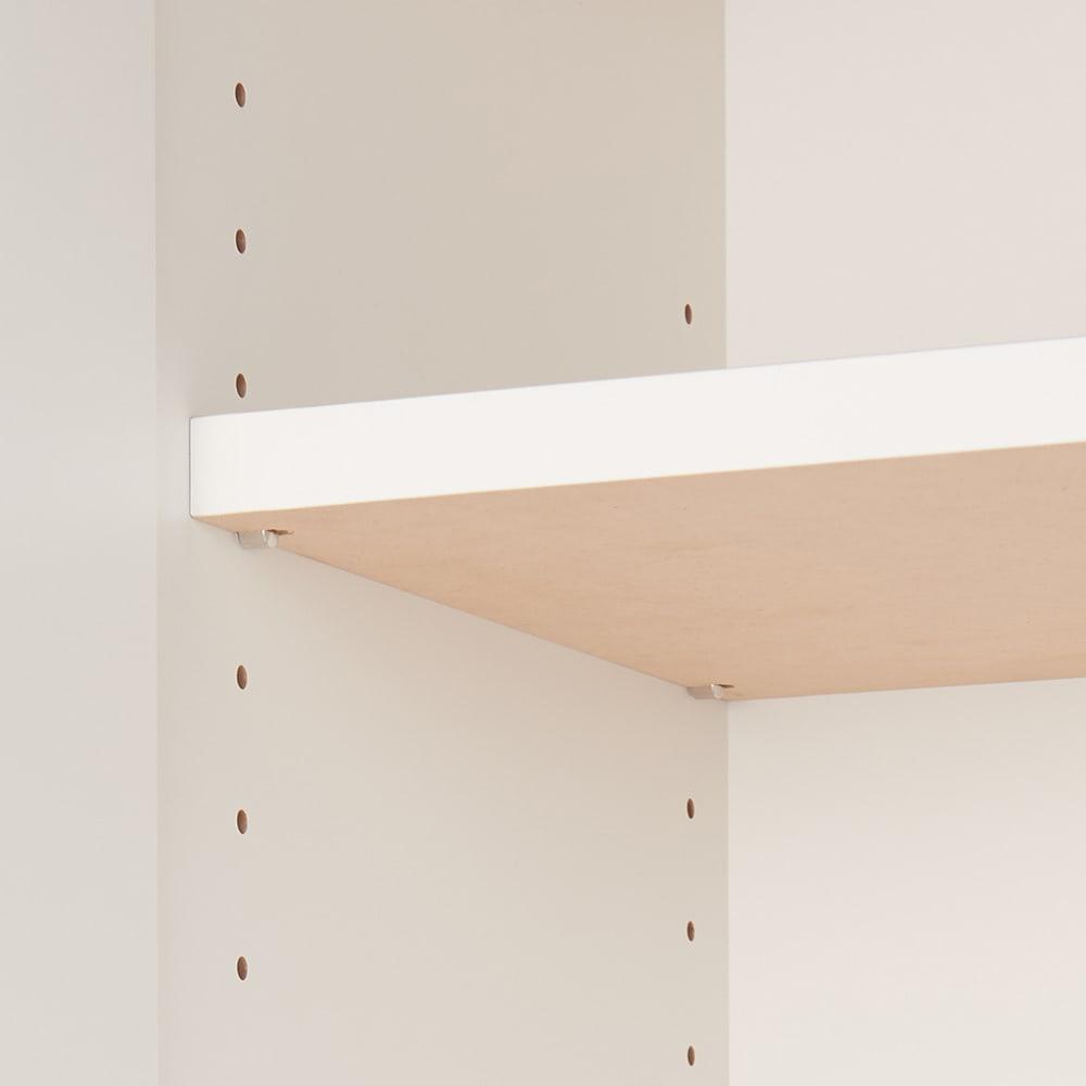組み合わせ自在の薄型人工大理石天板カウンター 扉タイプ幅45cm 棚板は可動式で収納物に合わせて細かく調整が可能です。