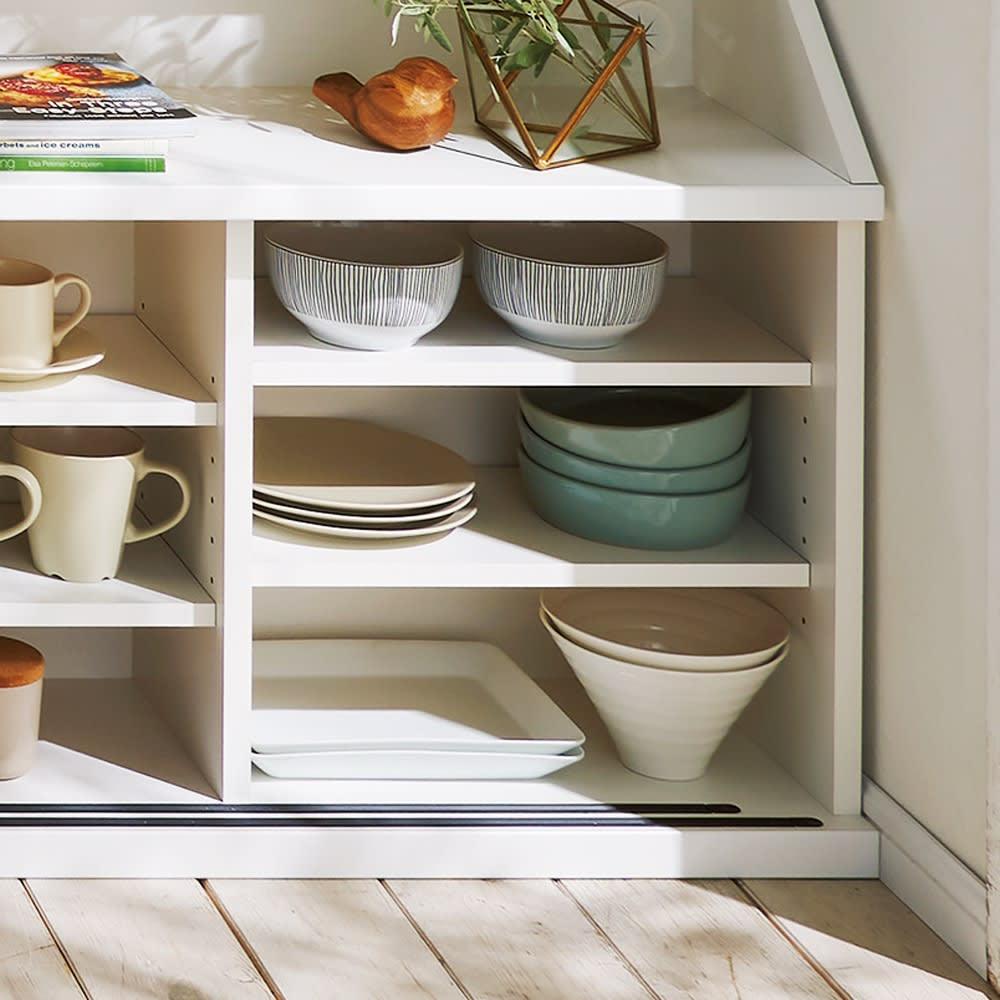狭いカウンター天板下にもすっきり納まる収納庫シリーズ 収納庫 幅120cm(高さ70cm/高さ85cm) 棚は3cm間隔で調整できて便利。