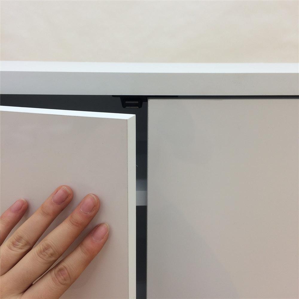 高さ60cm!ダイニングカウンター下収納 奥行35幅89.5cm(3枚扉) 扉はプッシュ式。金具がないのでインテリアを邪魔しないすっきりとしたデザイン。