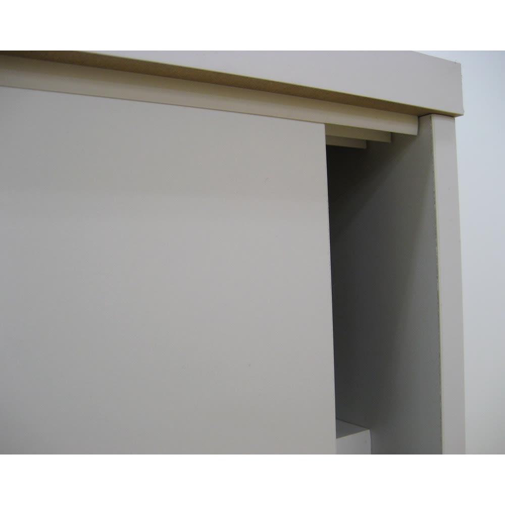 1cmピッチで棚板調整カウンター下引き戸収納庫 幅120cm(4枚扉) 奥行30cm・高さ70cm