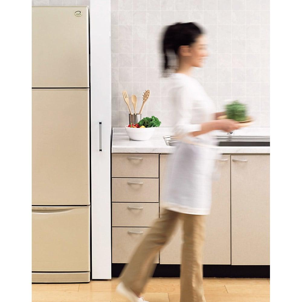 リバーシブル キッチンすき間収納ワゴン 奥行44cmタイプ 幅18cm すき間に「ぴったり」収まるのに「たっぷり」な収納力!ディノスで人気のスリムストッカーです。