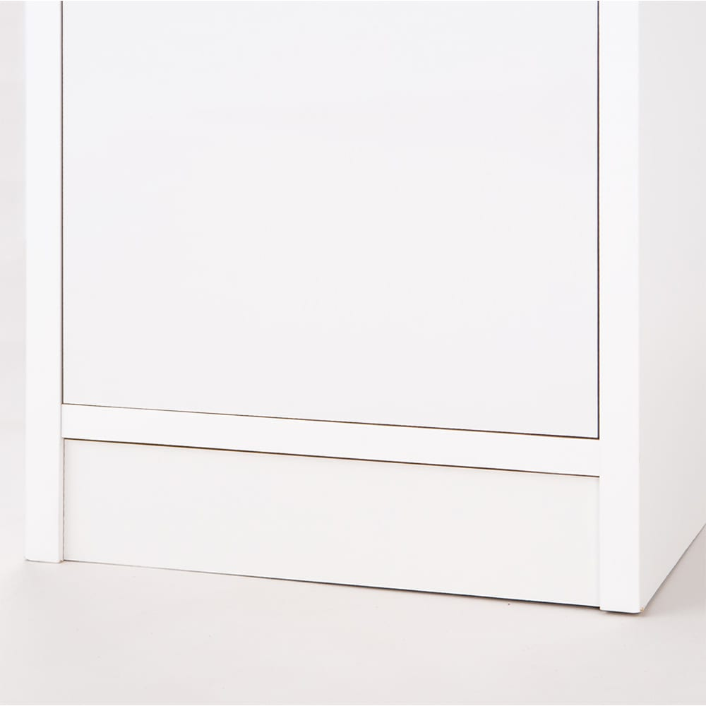 水ハネに強いポリエステル仕様 キッチンすき間収納庫 奥行55cm・幅30cm ハイタイプ 最下段の引出は、床からの高さをとっているので、 キッチンマットがあっても引出しの出し入れはスムーズ(^^)