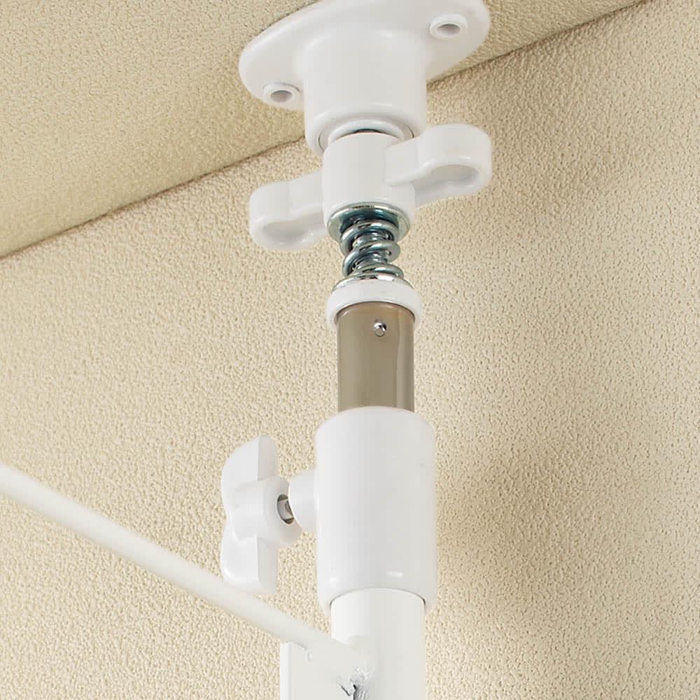 幅伸縮キッチンラック 突っ張り式・棚3段 幅47.5~70cm・高さ194~272cm 段差のある梁にも対応します。