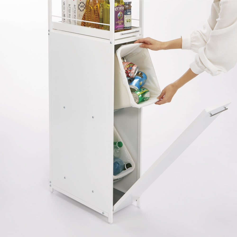 分別できるペール付きすき間ダスト収納 ロータイプ高さ85cm・4分別 幅40cm ペールは取り外しできるのでゴミ袋の交換もラク。清潔に保つため、丸洗いもできます。