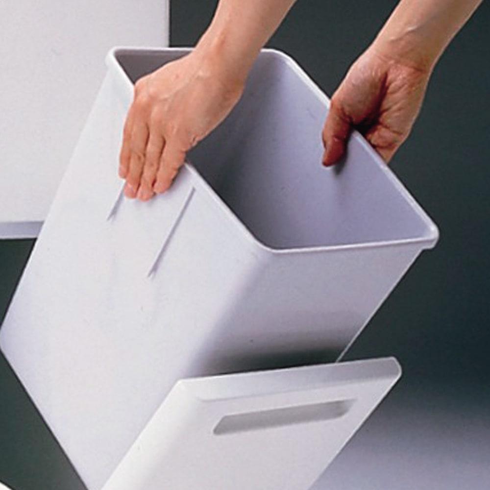 キッチンすき間収納 ダストボックス 2分別ペダル付き ペールは取り外して洗えるので、清潔を保てます。