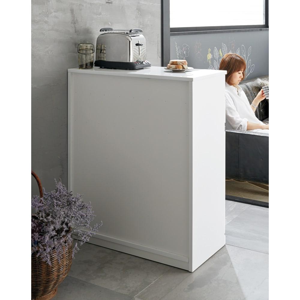 光沢仕上げ腰高カウンター収納シリーズ キッチン収納庫 幅109.5cm 裏面化粧仕上げ。(一部タッカー針が見える仕様です)